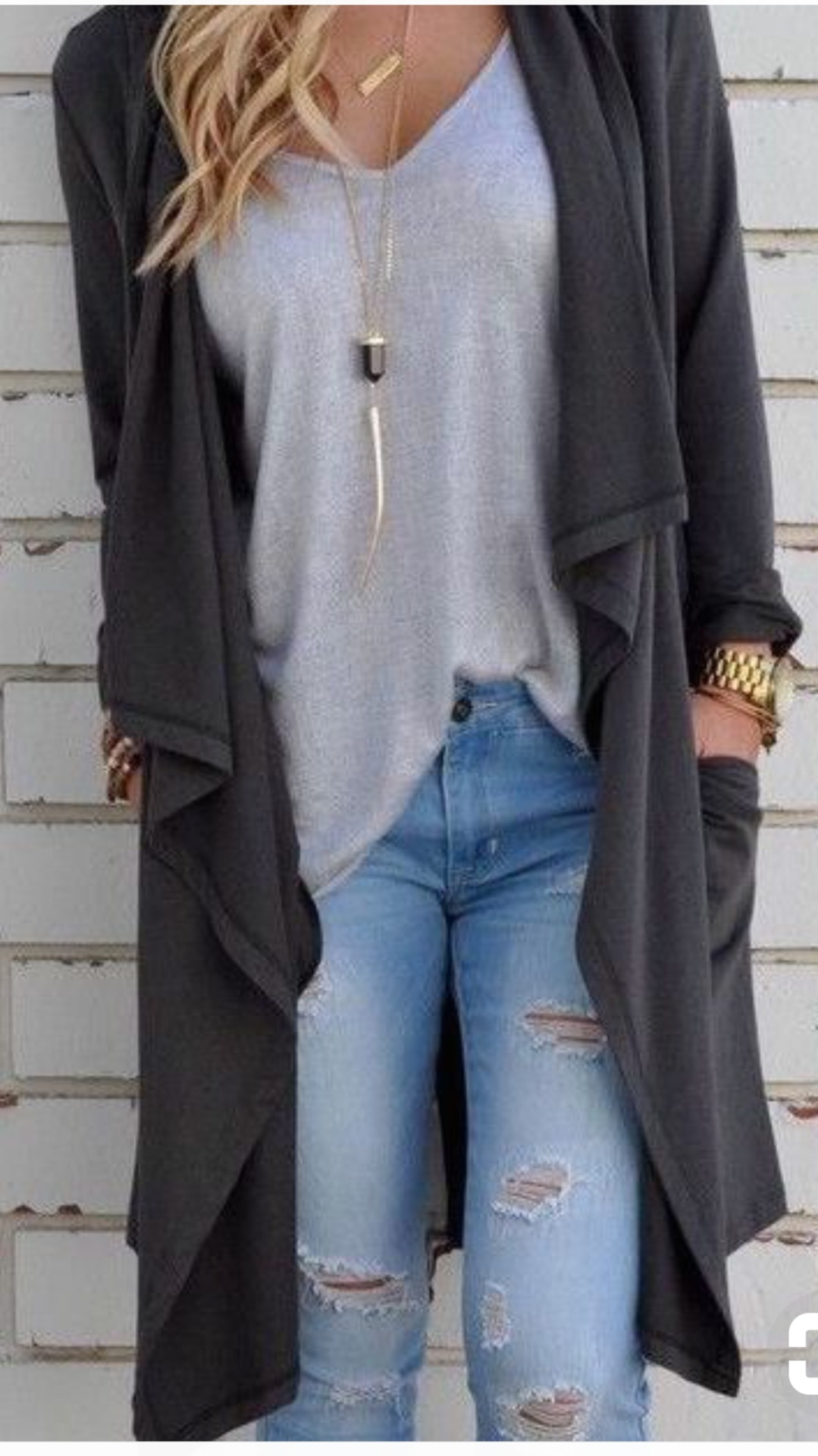 HOW TO WEAR OVERSIZED TOPS? image