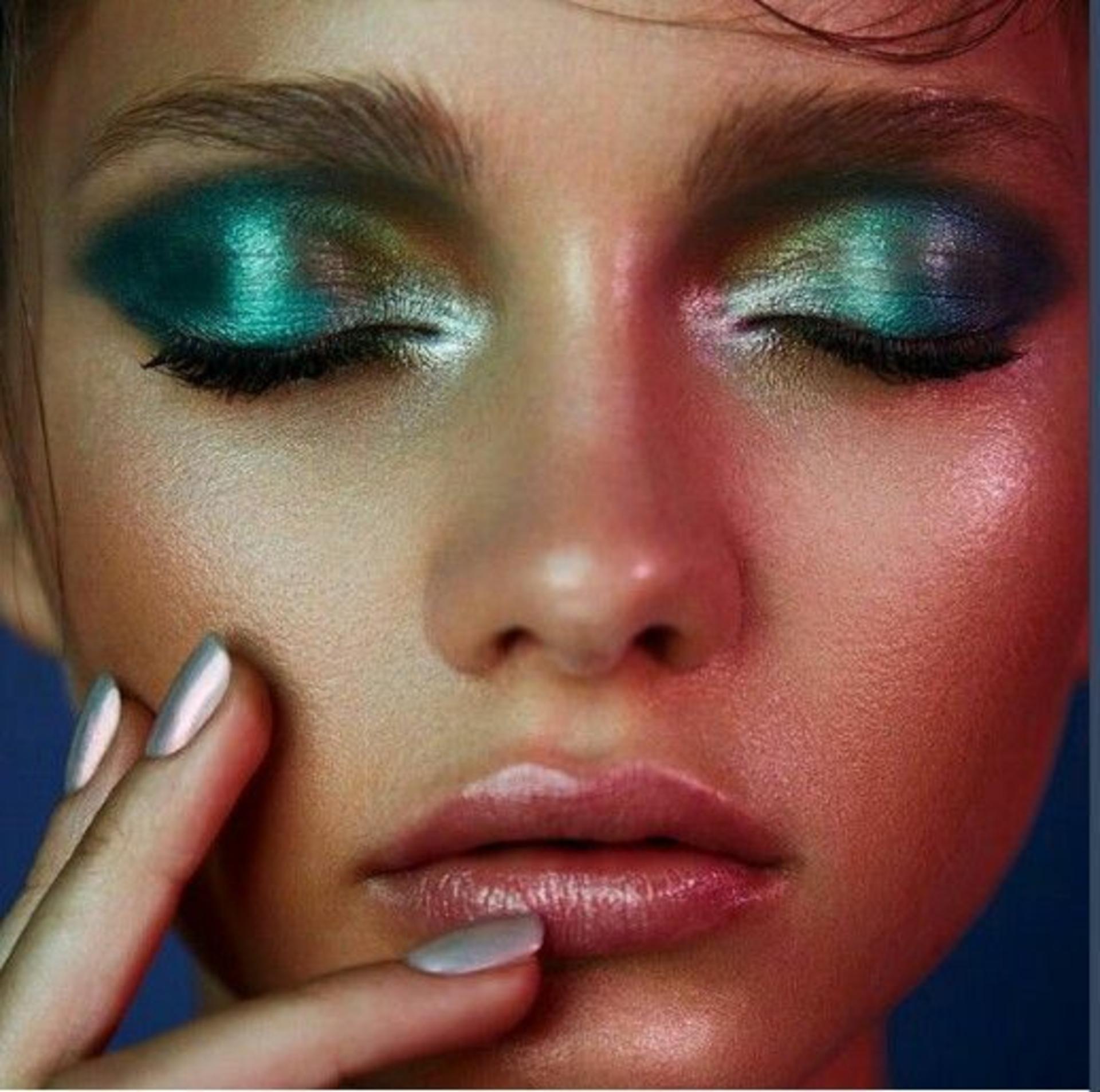 shopaholicpals - f2d935d4fdee5ee580743995a2e53907--aqua-eyeshadow-metallic-eye-makeup