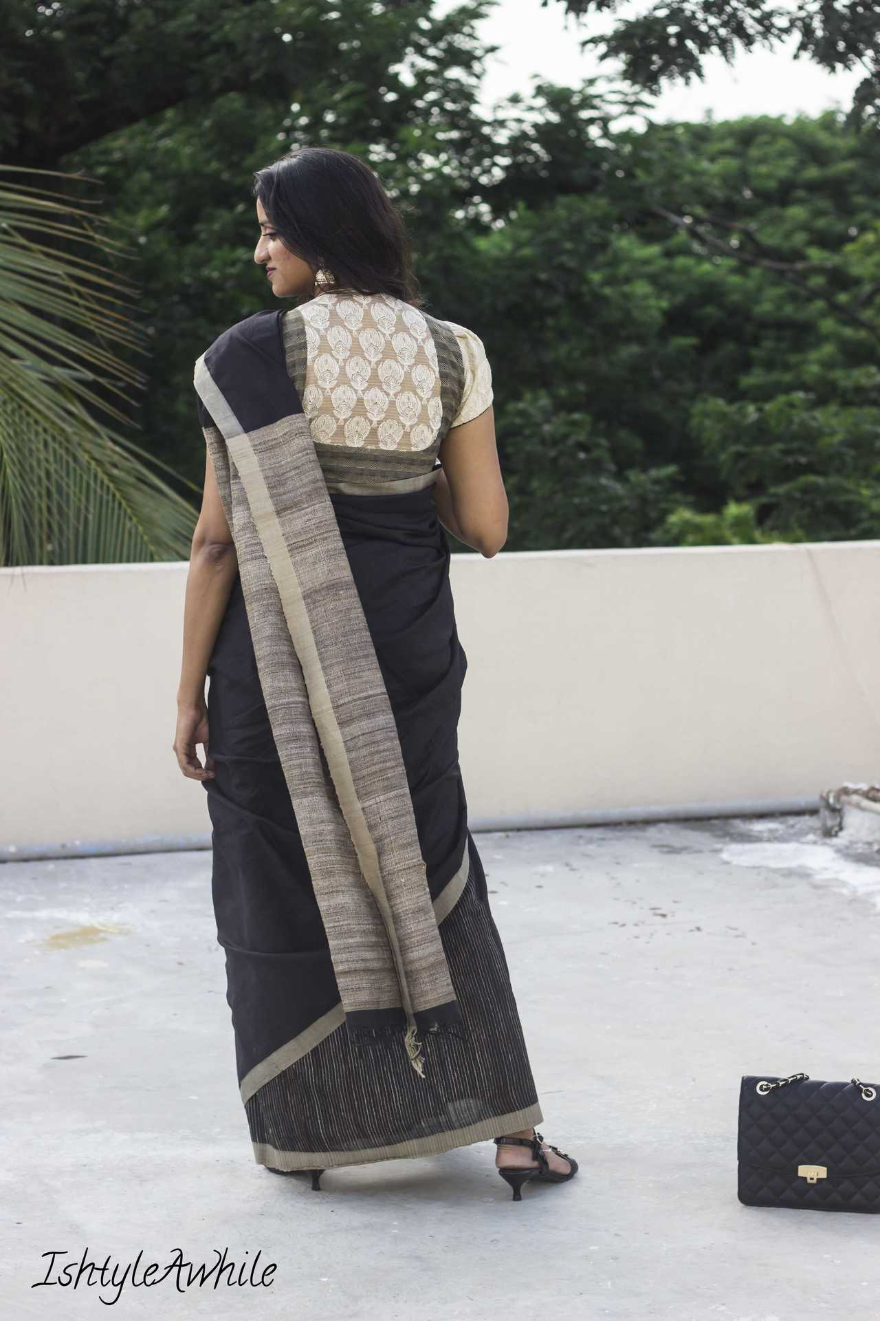 IshtyleAwhile - How_to style a black saree