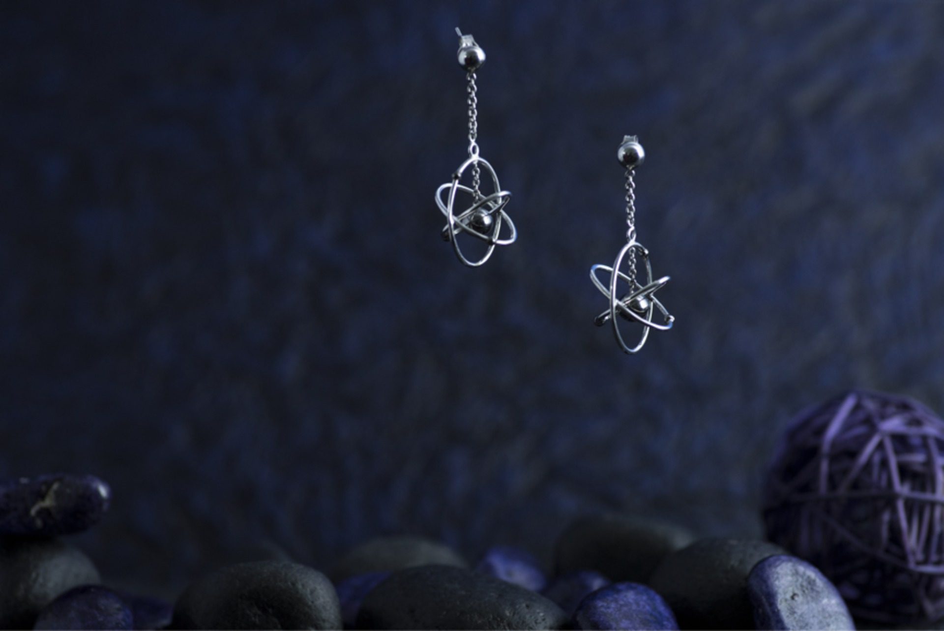 THE GLAM NUT - Amazing Atoms Concept-aliame-jewellery