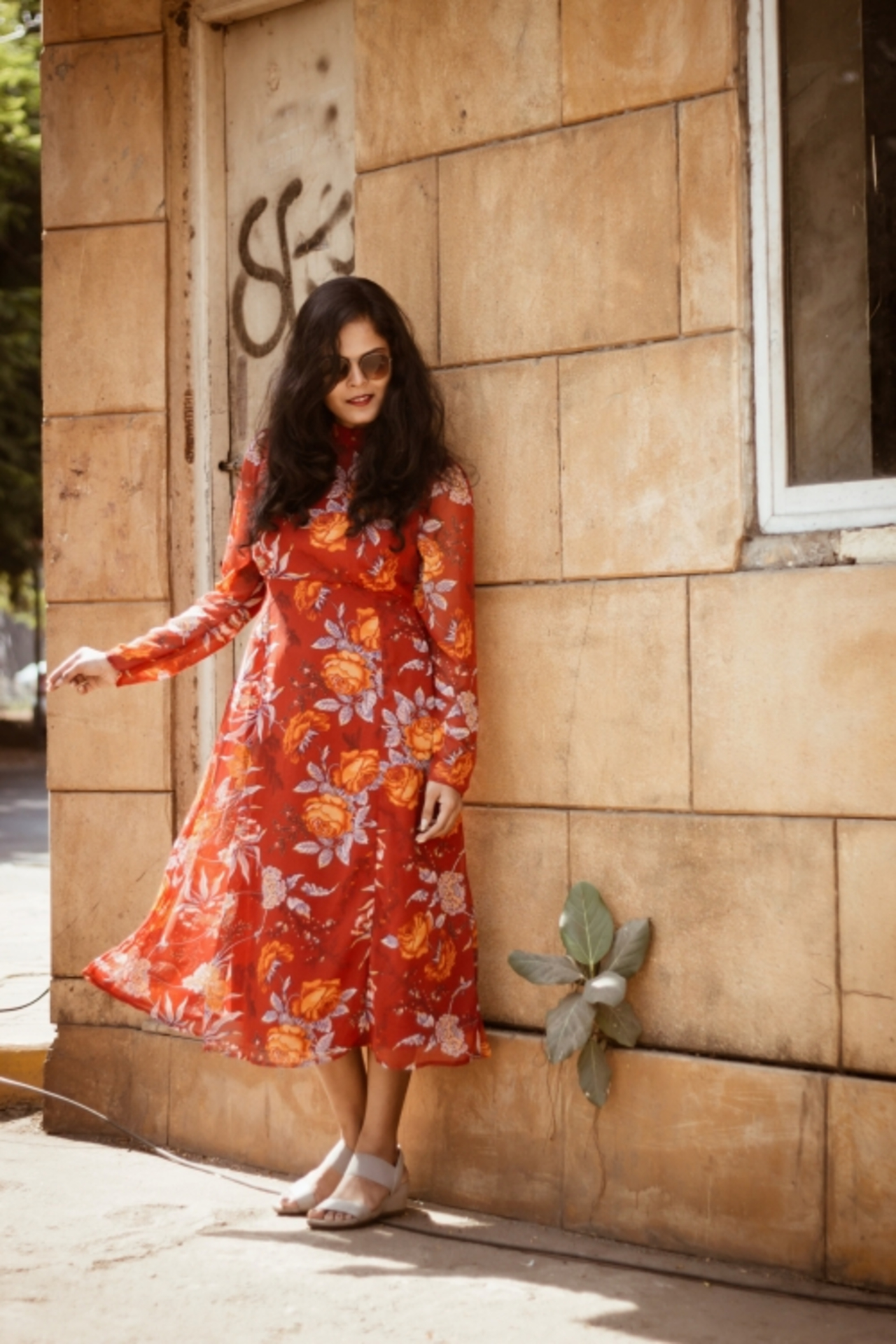 THE GLAM NUT - Floral midi dress 3