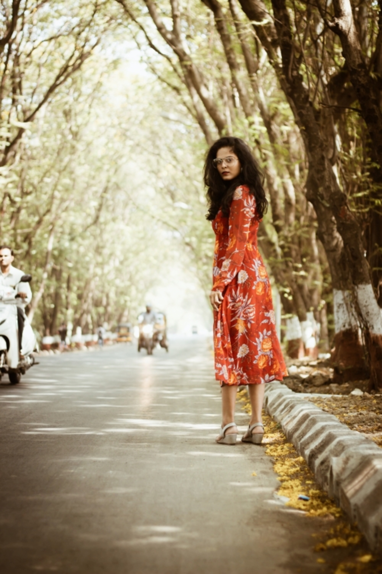 THE GLAM NUT - Floral midi dress 5