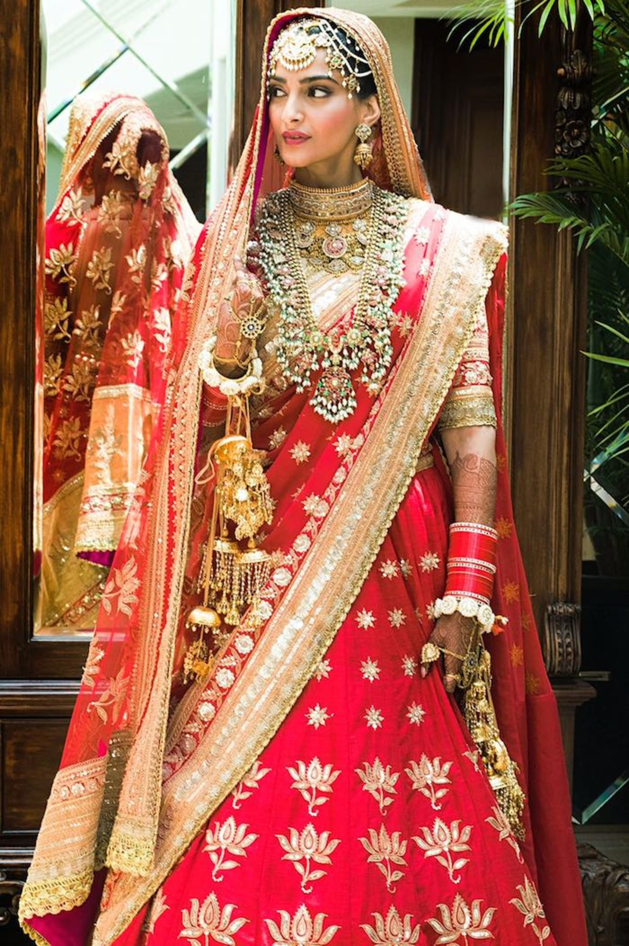 Decoding Sonam Kapoor's Wedding Looks image