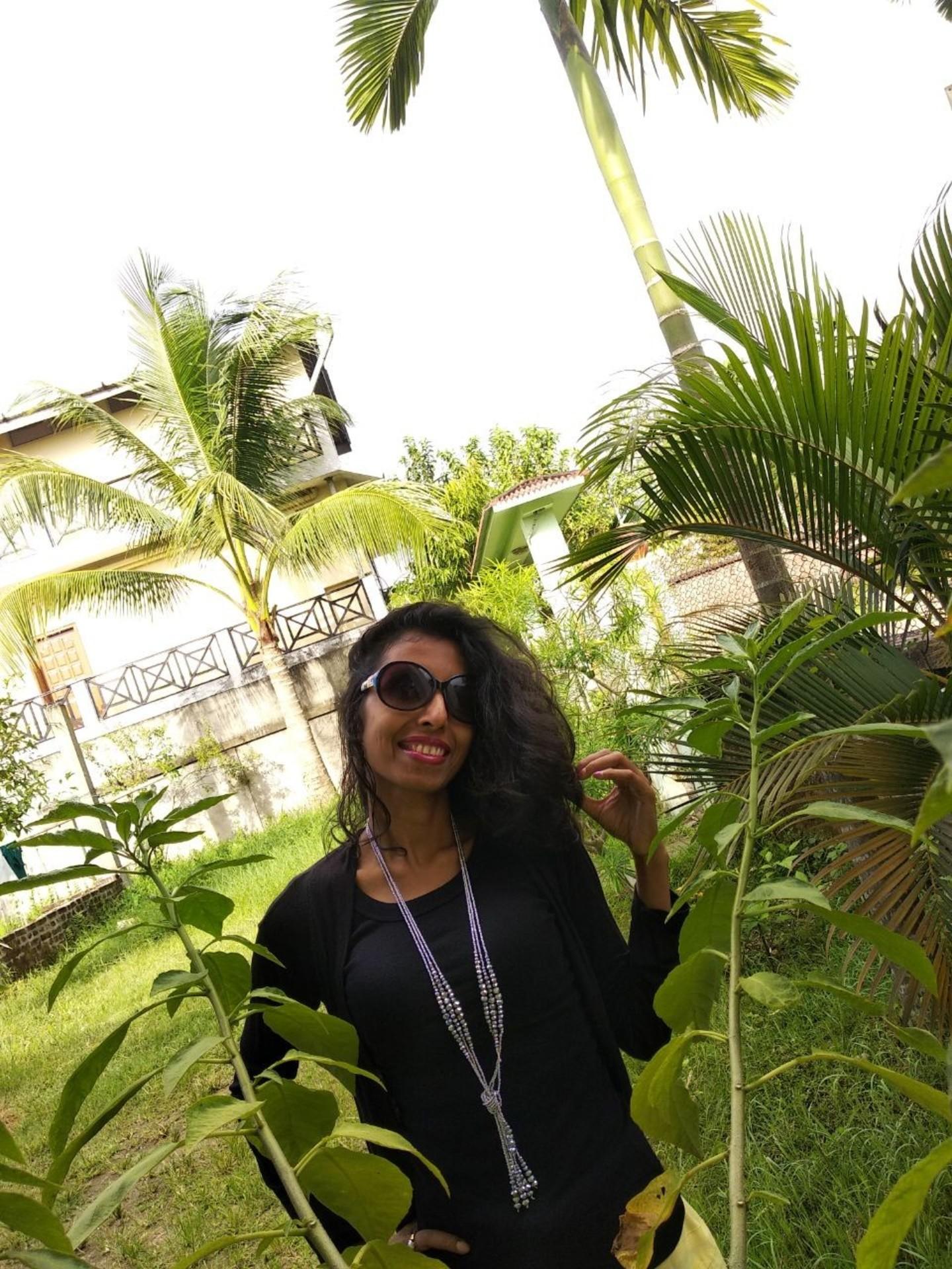 Rekha Pathak profile pic