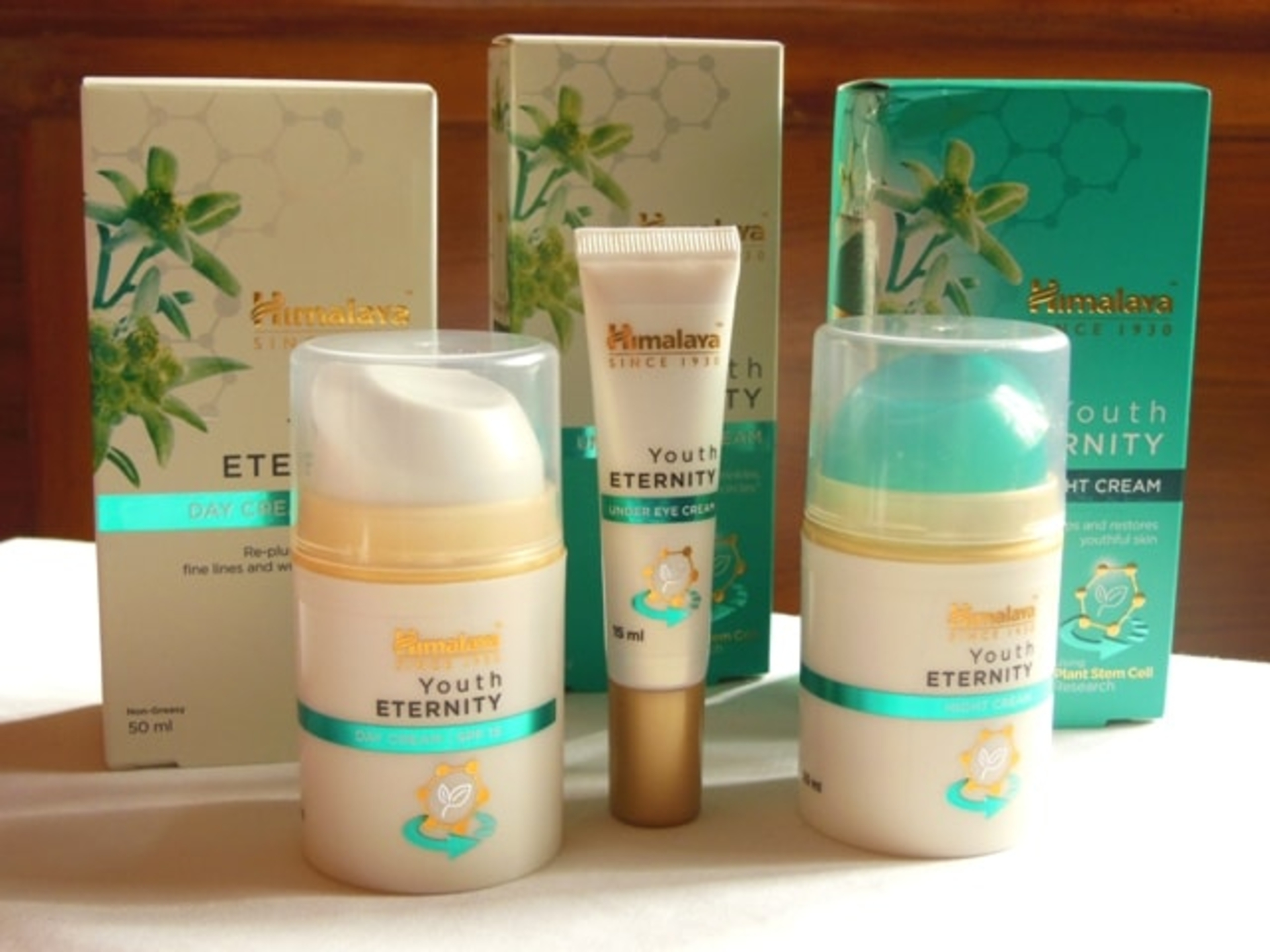 The Moody Vibe - Himalaya-Herbals-Youth-Eternity-Skin-Care-Range-Review