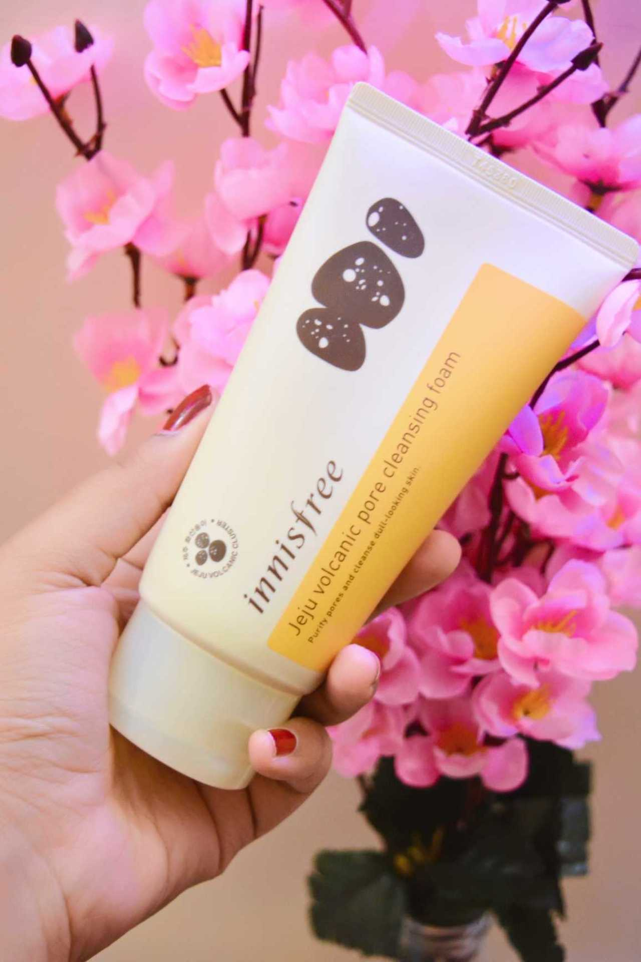 Innisfree Jeju Volcanic Pore Cleansing Foam Review! image