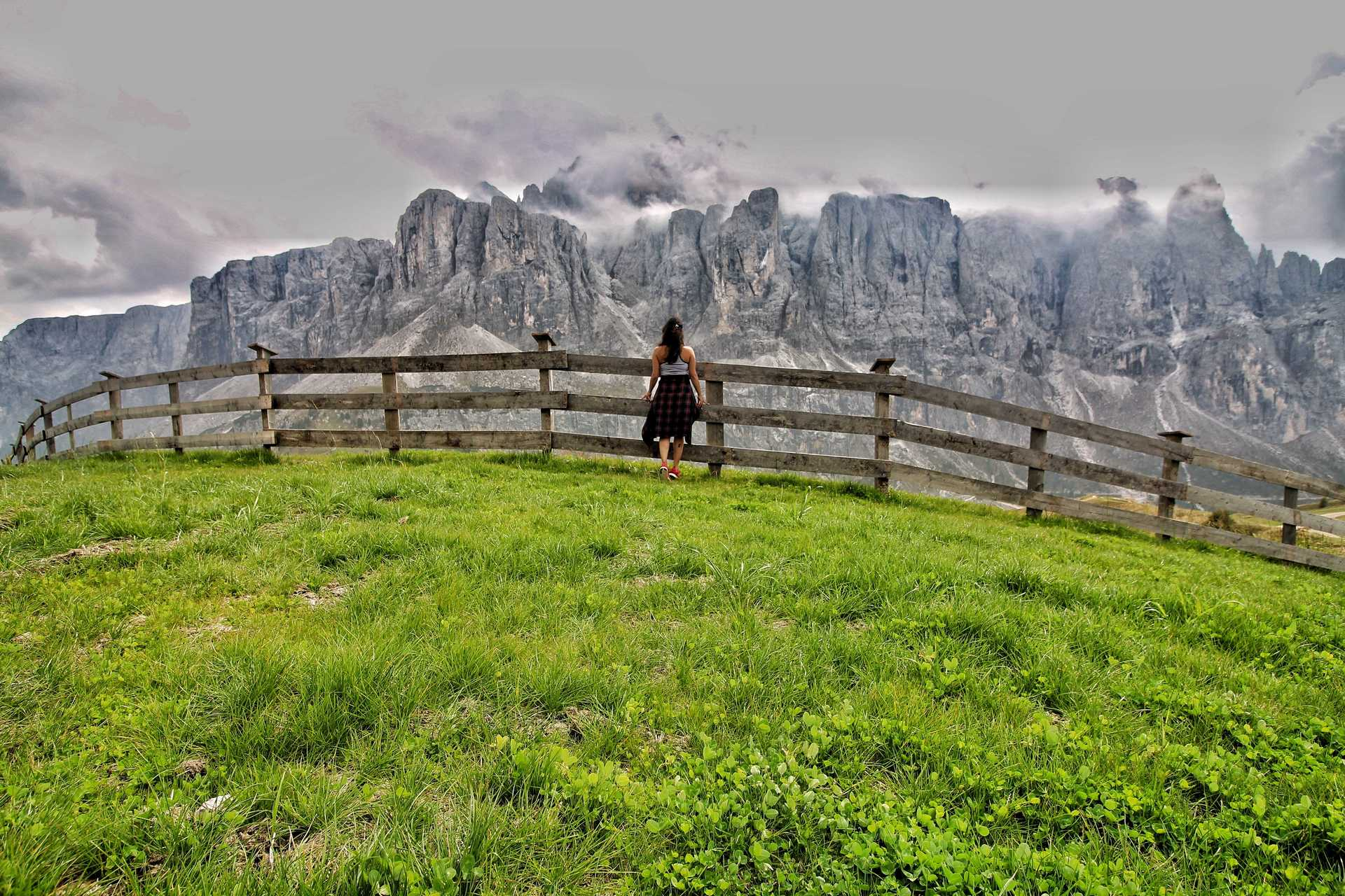 5 Days In Dolomites-Place of your Dreams image