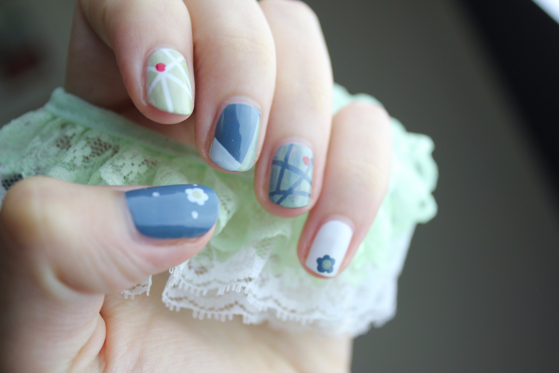 The Style Cast - nail-art-2688470_1920