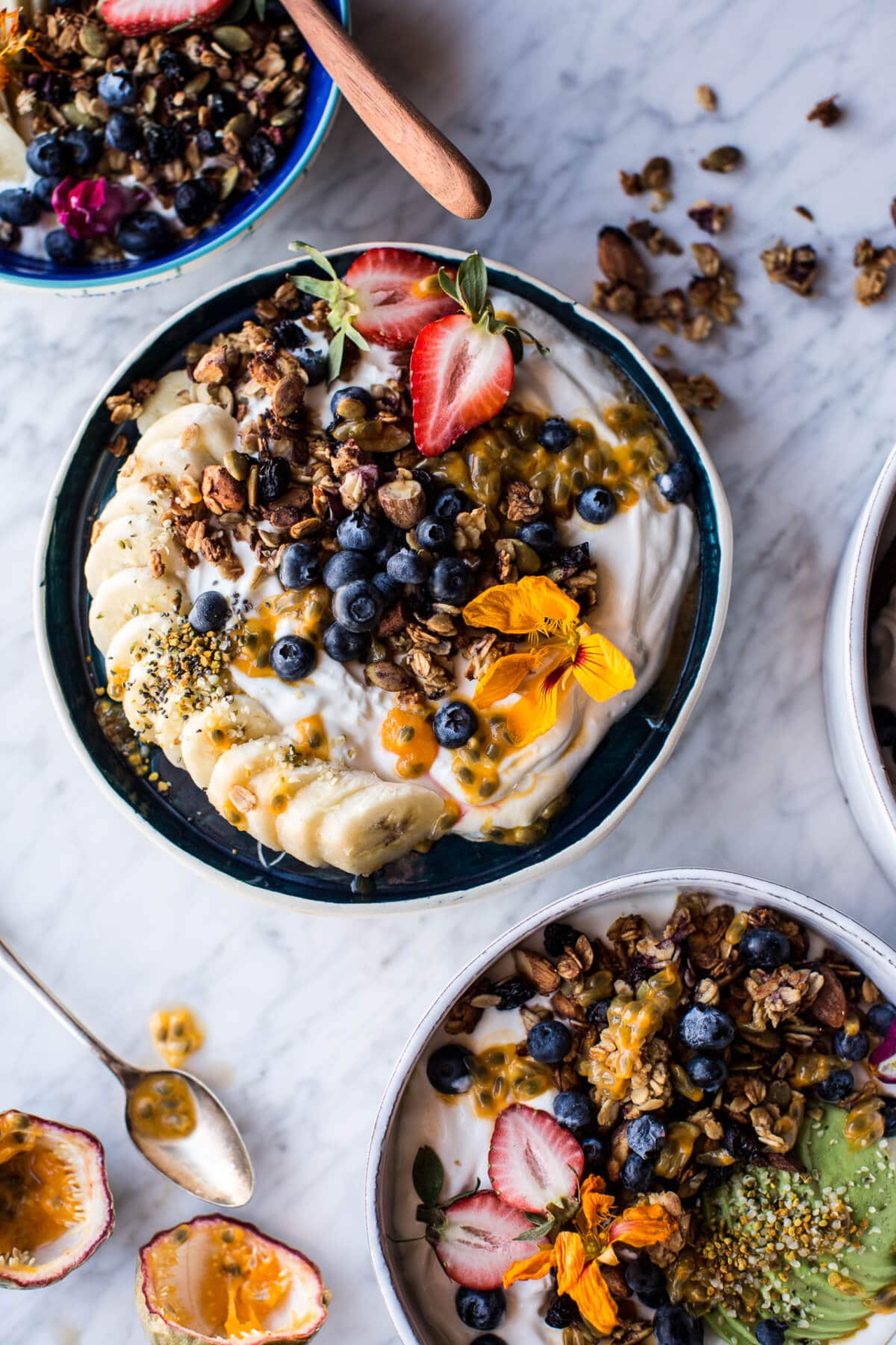_Girlinskinnyfit_ - Blueberry-Muffin-Granola-Greek-Yogurt-Breakfast-Bowl-1