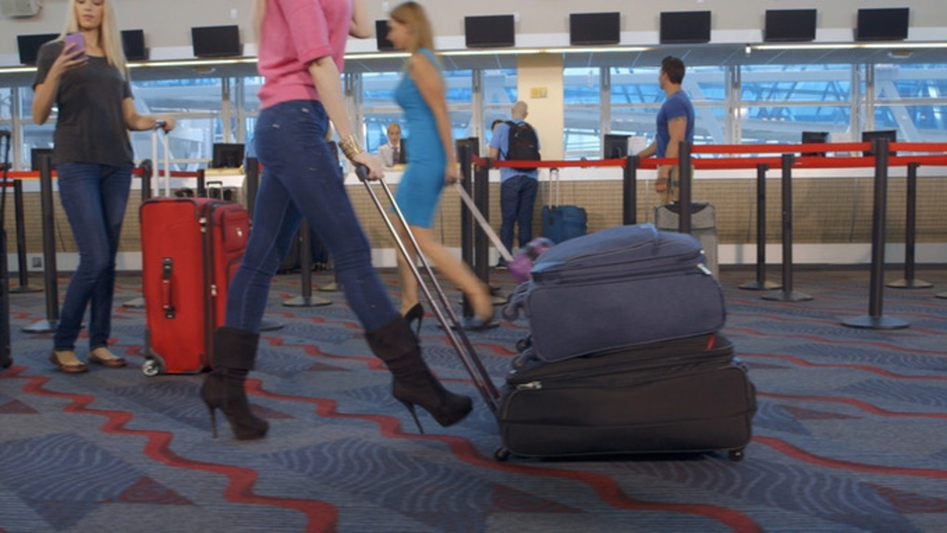 The Reasons Every Traveler Needs a Quantum Luggage image