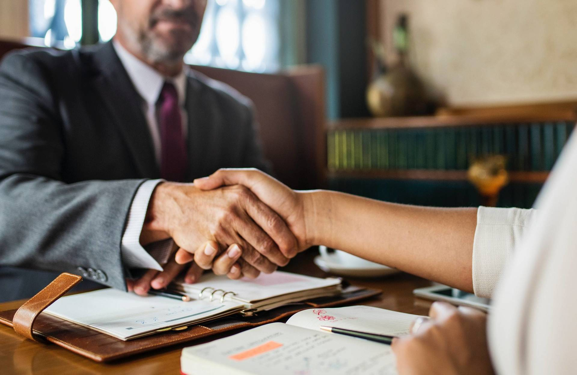 How to Solve a Dispute in Business Contract image