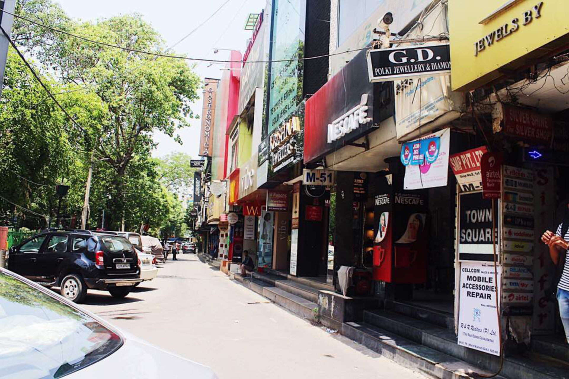 5 hidden gems in Greater Kailash-1 M Block Market to shop till your drop image