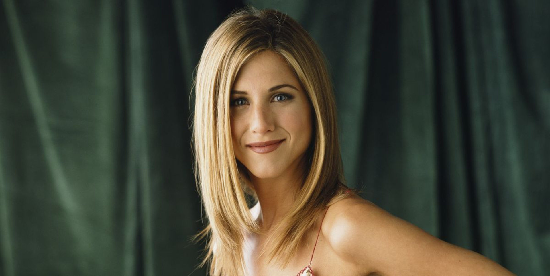 Jennifer Aniston Breaks The Internet image