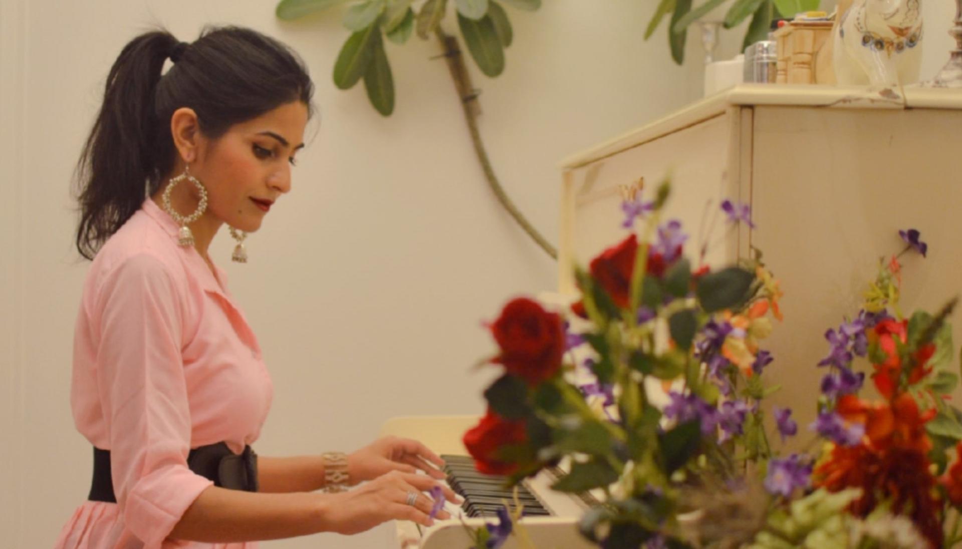 Kirti Sengar - A Dreamy, Filmy Fashionista turned Influencer image