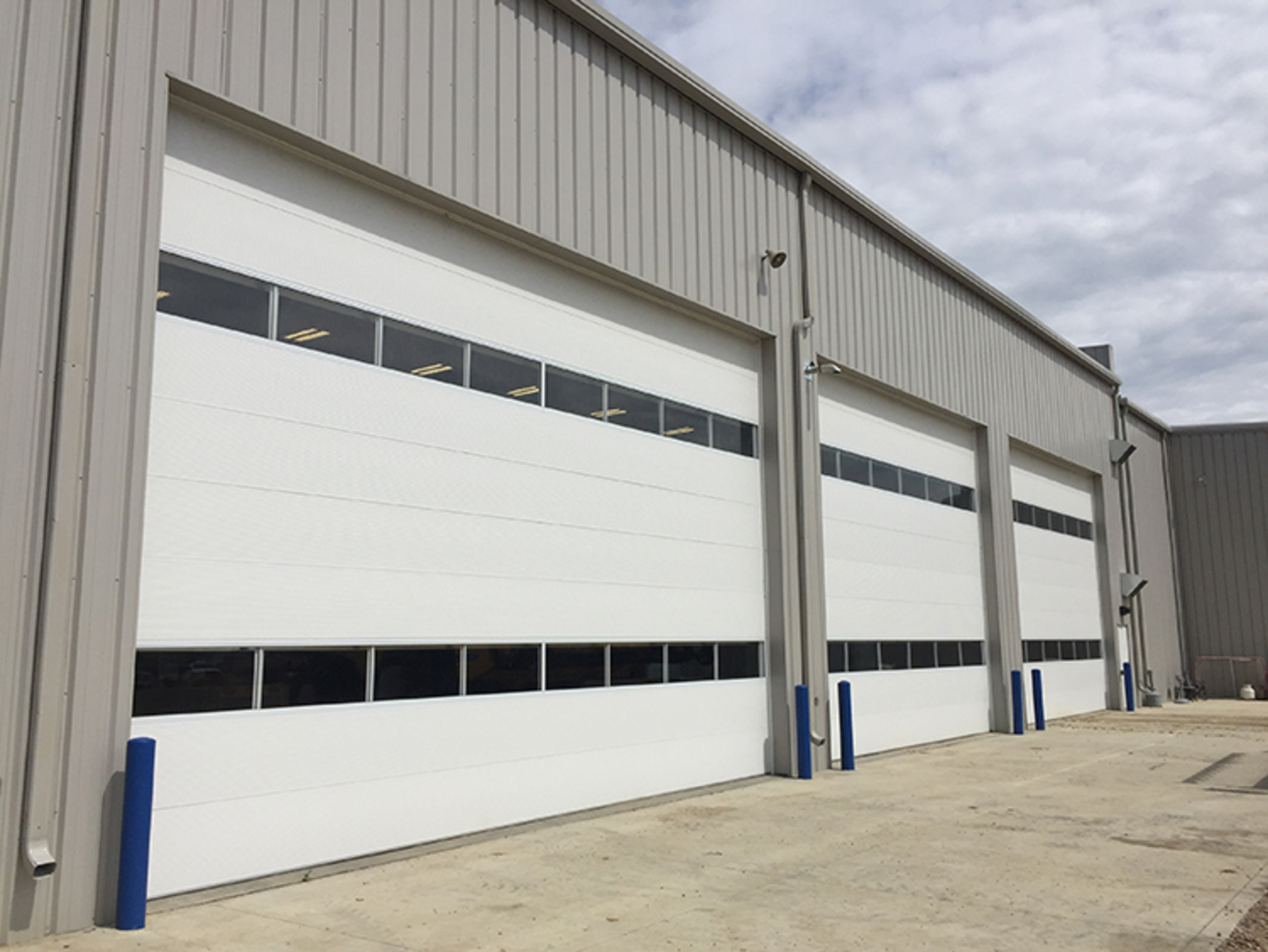 Things to look for in a Industrial door company? image