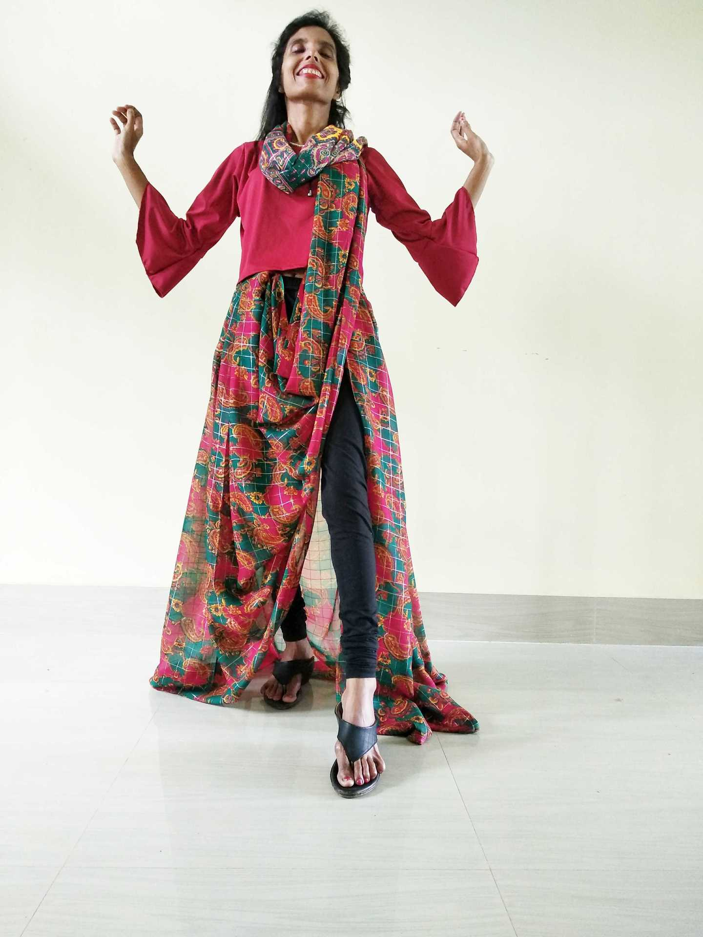 A saree with a leggings image