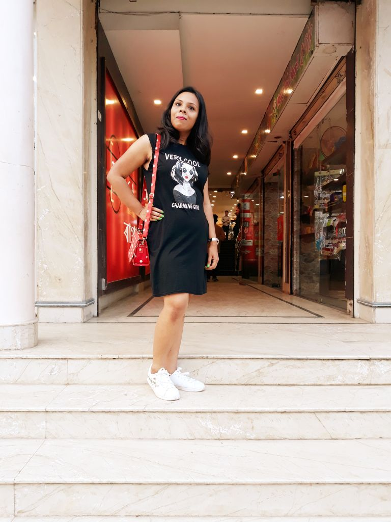 fashionistaspeaks-Black is perfect for summer when its a T-shirt dress