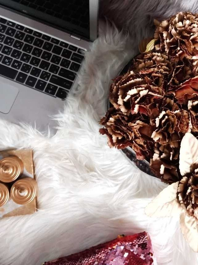 Glamourholic Cover image