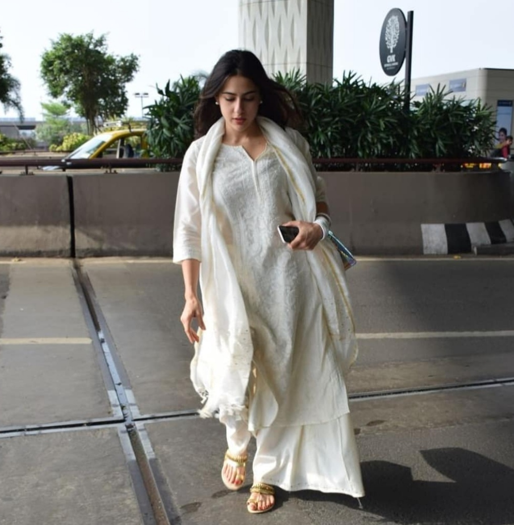 Creative outlook -Get the 'All White' Sara Ali Khan inspired look: