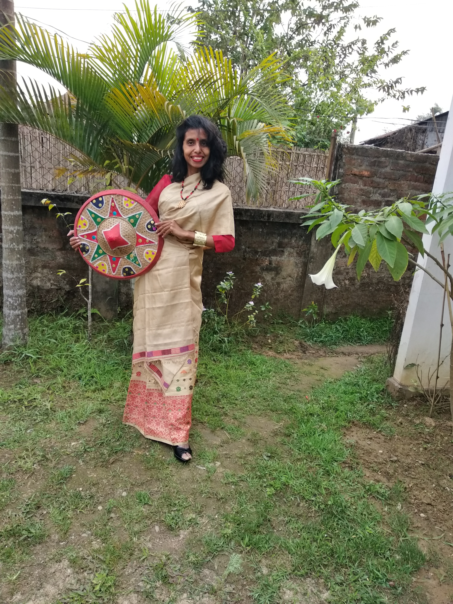 An ethnic style with the traditional attire of Assam image
