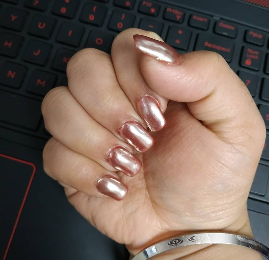 Chrome Nails a new trend.....  image