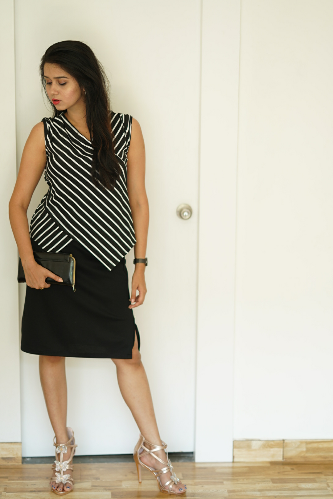 Brunette Waves-Styling a Black and white monochrome top in 4 looks